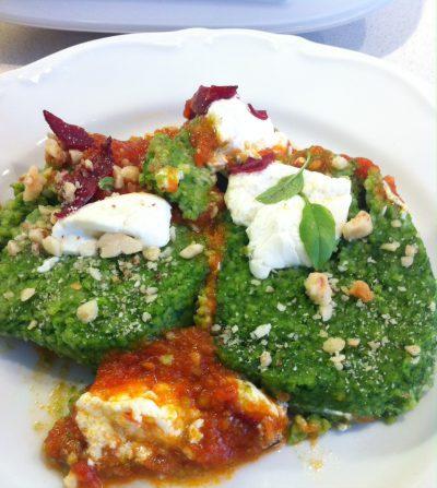 Cocina Italiana: Ñoquis de sémola con espinacas y queso