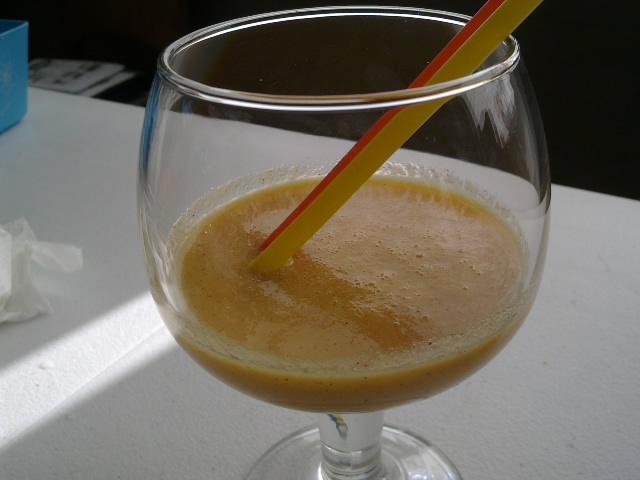 Batido de Kiwi, Zanahoria y Naranja, con este calorcito.....