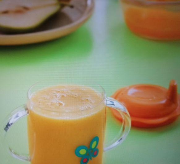 Batido de frutas con zumo de naranja