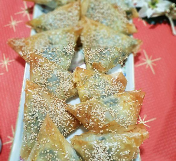 CRUJIENTES DE ESPINACAS ¿Alguna vez te habías imaginado comer espinacas en la cena de Nochebuena?, con estos deliciosos aperitivos triunfarás...