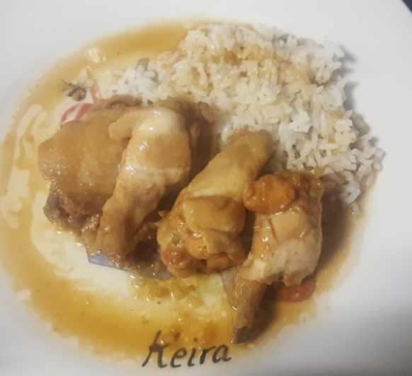 Alitas de pollo con salsa de soja, miel y limón con arroz blanco