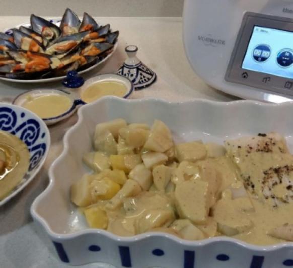 Menú: Crema de Brócoli y Mejillones con raya en salsa de queso azúl.