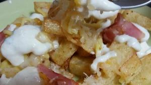 Patatas con salsa al estilo Fosters Hollywood